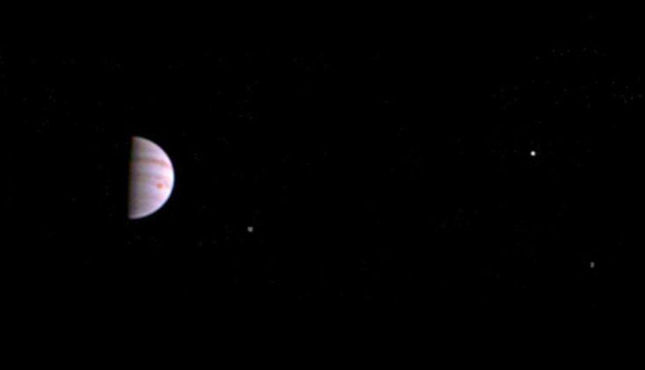 NASA: la primera foto de misión Juno desde que entró a órbita de Júpiter