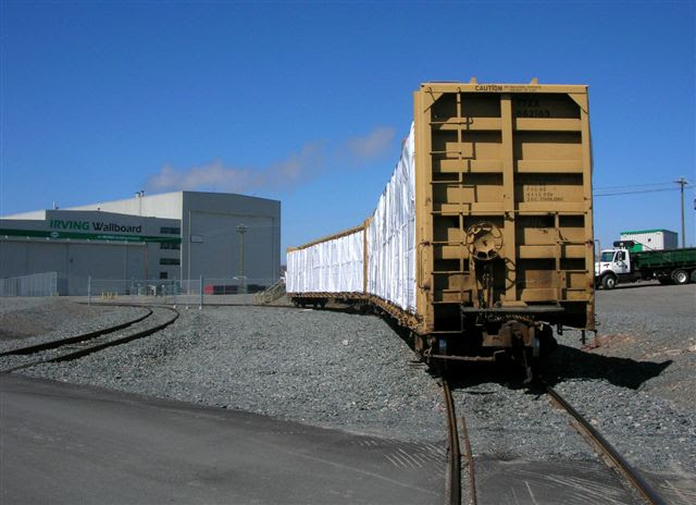 Flat cars at Irving Wallboard