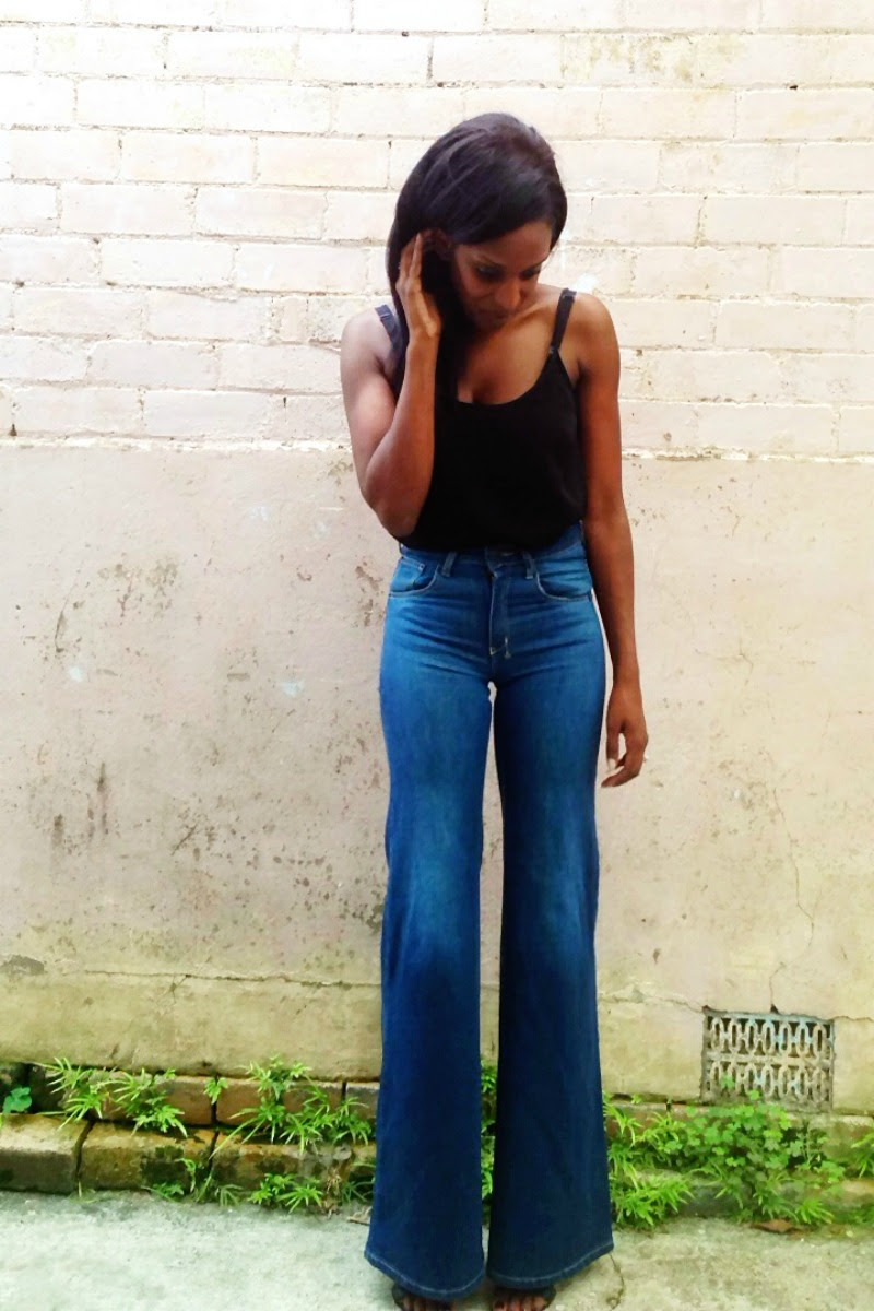 How to wear high waisted flare jeans near