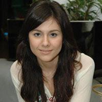 http://www.indonesiaindonesia.com/imagehosting/images/33213/1_wulan-guritno.jpg