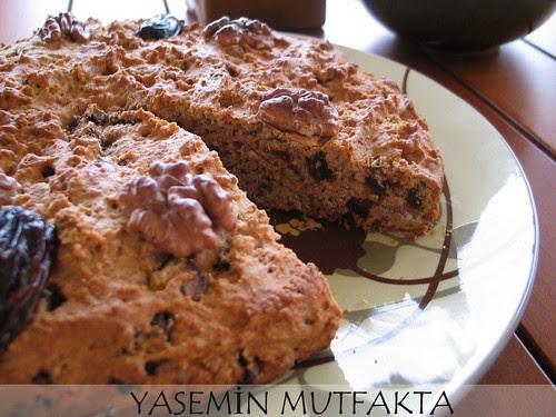 Hurmalı Cevizli Hafif Kek by Yasemin Mutfakta