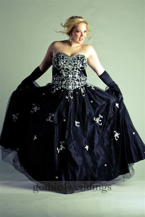 Gothic Plus Size Wedding Dresses   Handmade Victorian