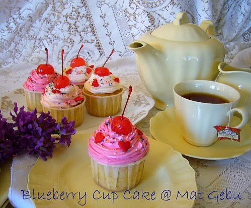 BLUEBERRY CUP CAKE