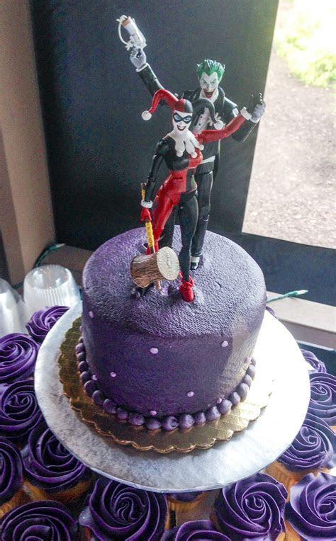 Joker and Harley Quinn Wedding cake topper   Fun Wedding