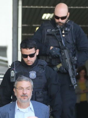 Palocci chegou a Curitiba no início da tarde desta segunda-feira (26) (Foto: Giuliano Gomes/ PRPress)