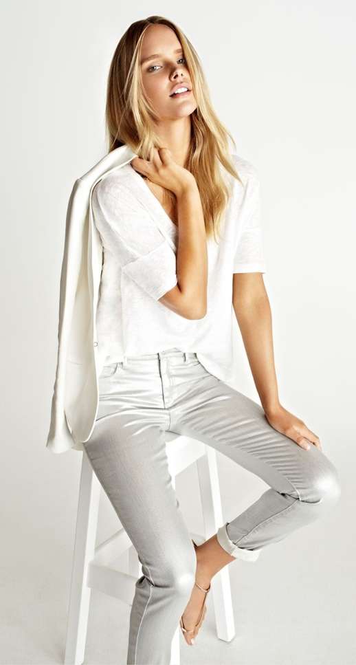 LE FASHION BLOG CRISP WHITE AND SILVER DENIM White Blazer Jacket Long Blonde Hair White Linen Tee Skinny Silver boyfriend Jeans Gold Toe Strappy Flat Sandals 2014 photo LEFASHIONBLOGCRISPWHITEANDSILVERDENIM.png