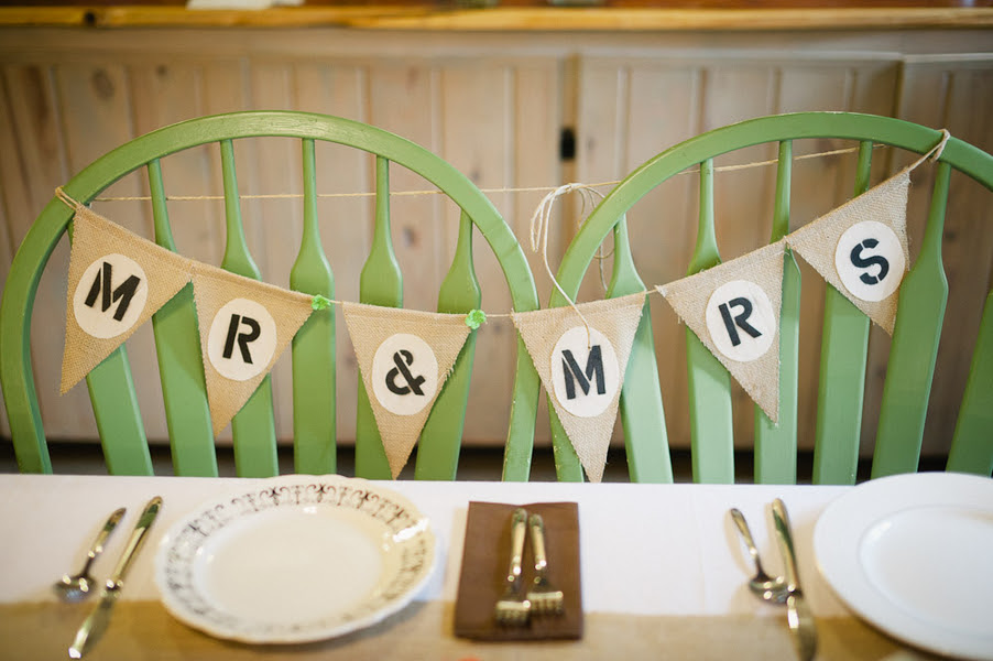mrs Sources photography: rustic  sign Caroline and Rocky  Photography venue:  mr Ben /  –