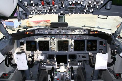 Airplane Pics Boeing 737 700 Cockpit