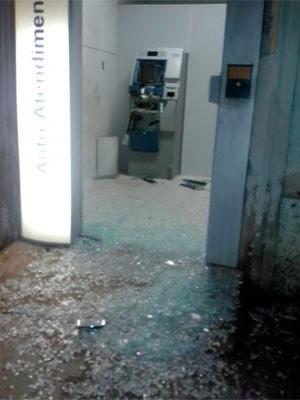 Terminal ficou destruído com a explosão  (Foto: Marcelino Neto)
