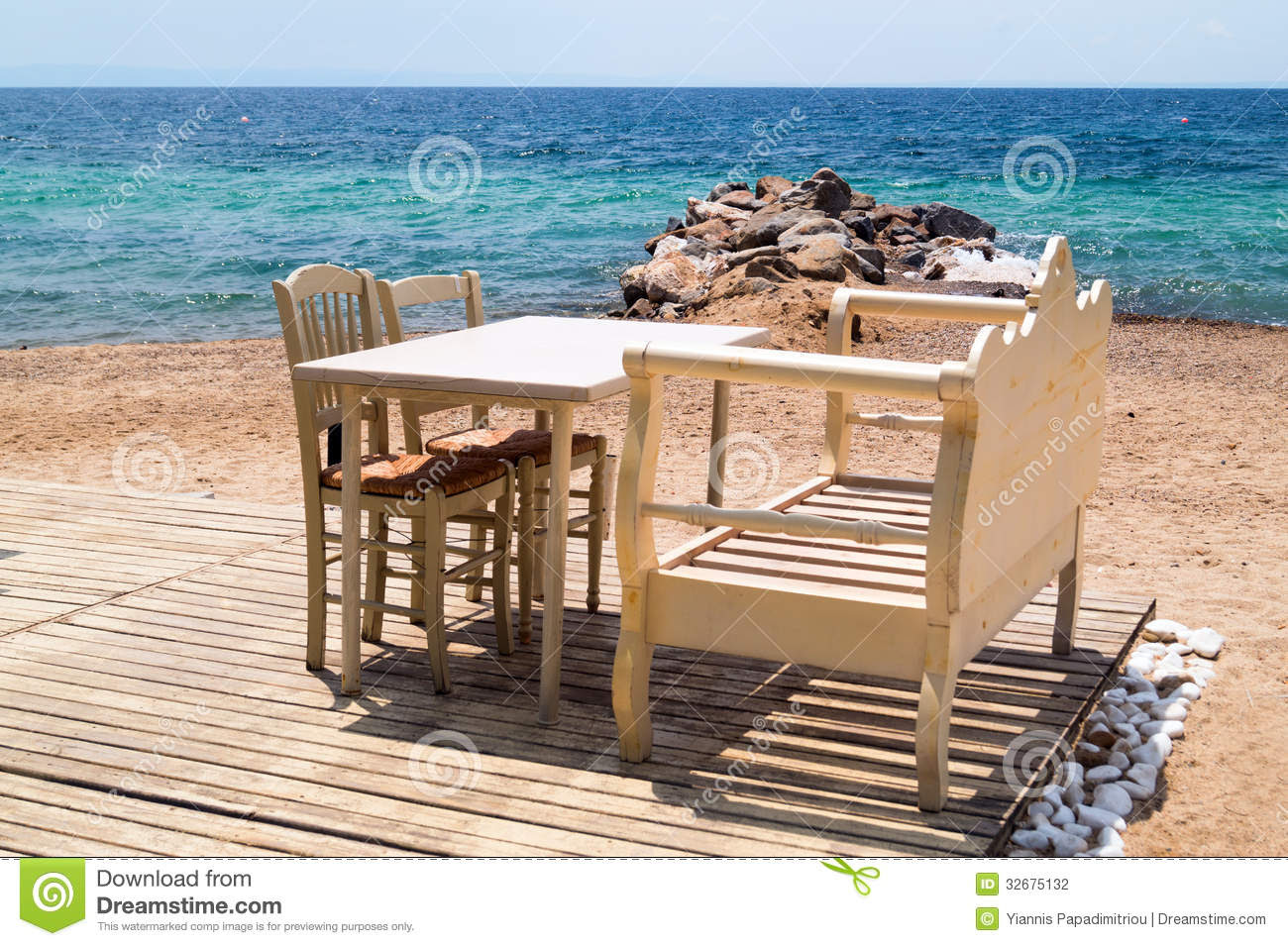 Table et chaises de terrasse table grecque - Restaurant la table du grec ...