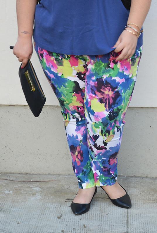 outfit pantaloni colorati e giacca aile6