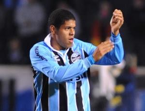 Leandro em ação pelo Grêmio; jogador deve ser emprestado para o Palmeiras nesta terça