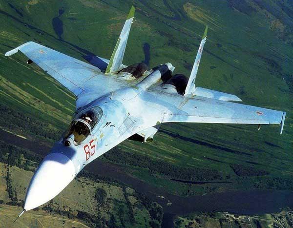 movimiento pol tico de resistencia rusia env a los aviones de combate m s modernos a siria. Black Bedroom Furniture Sets. Home Design Ideas