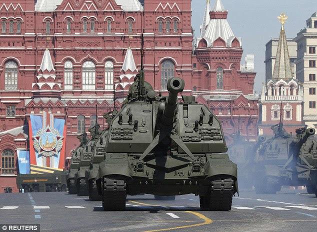 A Rússia está requisitando todos os seus funcionários para voar para casa todos os parentes que vivem no exterior em meio a um aumento das tensões sobre a perspectiva de uma guerra global, que tem sido afirmado