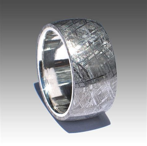 Izyaschnye wedding rings: Extra wide mens wedding rings