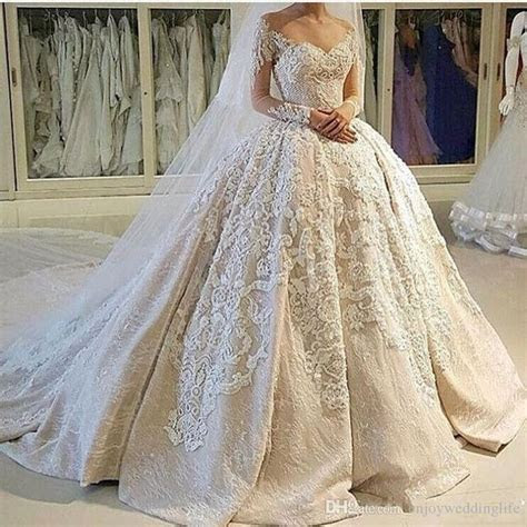 Best 25  Vintage ball gowns ideas on Pinterest   Ball gown