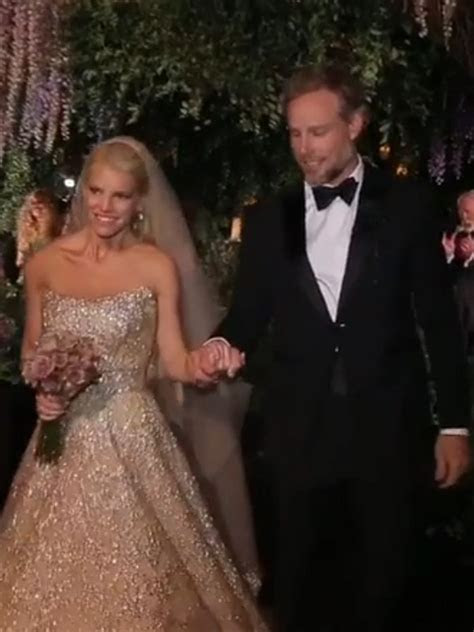 Watch Jessica Simpson and Eric Johnson's First Moment as