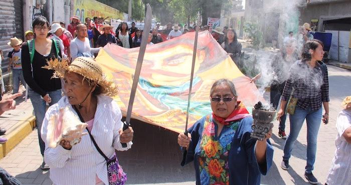 Pobladores de Atenco conmemoraron la fecha con un bloqueo momentáneo sobre la carretera Los Reyes-Lechería. Foto: Luis Barrón, SinEmbargo