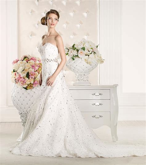 Simple And Affordable Wedding Dresses ? Online Stores To