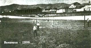 Από το 1899 έως το 1900 η ομάδα είχε έδρα στο παλιό ποδηλατοδρόμιο Bonanova,όπου βρίσκεται σήμερα το πάρκο Turó