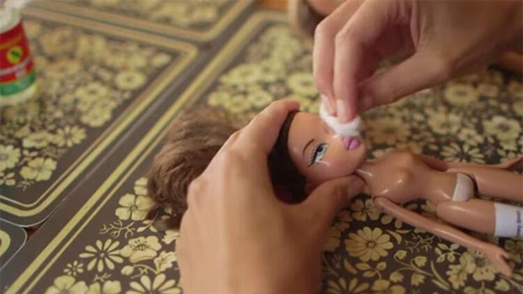 Barbieye öyle Bir şey Yapıyor Ki Hayat Haberleri
