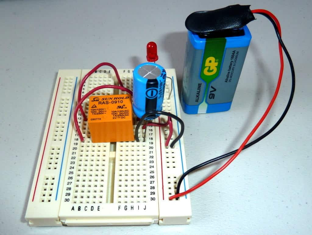Swahiliteknolojia : Blinking LED Circuit with Schematics ...