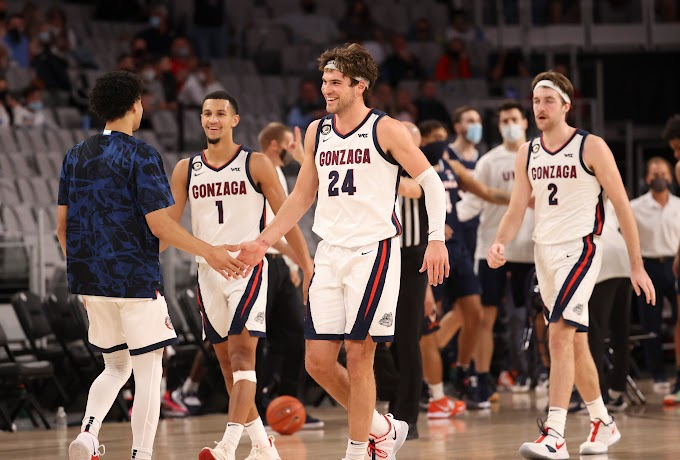 Gonzaga Basketball 2021 / Ncaa Tournament 2021 West Region Preview Gonzaga Shoots For Perfection With Familiar Opponents Lurking Oregonlive Com / Usc takes on gonzaga on 3/30/2021 at 7:15pm.