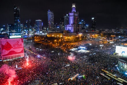 TREND ESSENCE:Women Converge on Warsaw, Heightening Poland's Largest Protests in Decades