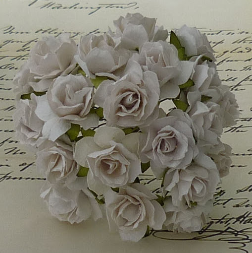 SAA-237   25 WHITE MULBERRY PAPER WILD ROSES - 30mm