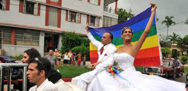 Ignacio Estrada e Wendy Iriepa, um ex-seminarista e uma transexual, casaram-se em Cuba, em 13 de agosto, mesmo dia em que Fidel Castro completou 85 anos
