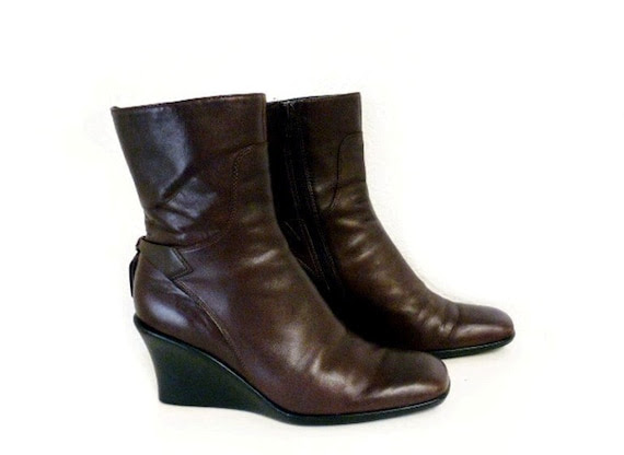 SALE Granny Brown Genuine Leather Boots Vintage Wedge Ankle Boots Nine West  Zip Up Sz 6.5