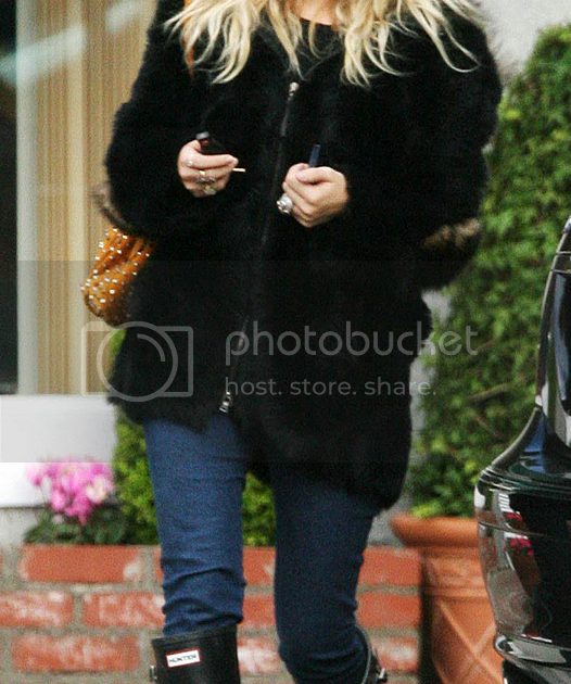 Ashley Fur: Olsens Anonymous: LOOK OF THE DAY: ASHLEY