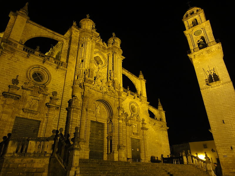 Catedral de Jerez de la Frontera by night.JPG