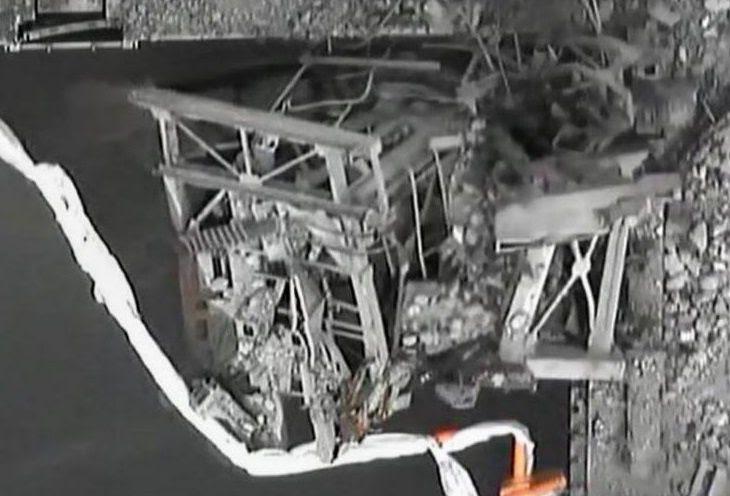 Fig. 56 : La machine de réapprovisionnement en combustible dans l'angle nord-est de la piscine