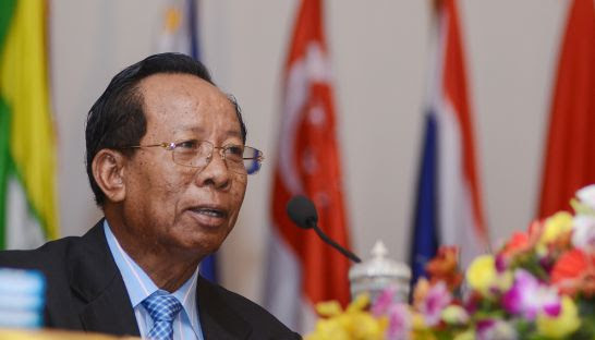 Defence Minister Tea Banh speaks at a press conference in Phnom Penh in 2012.