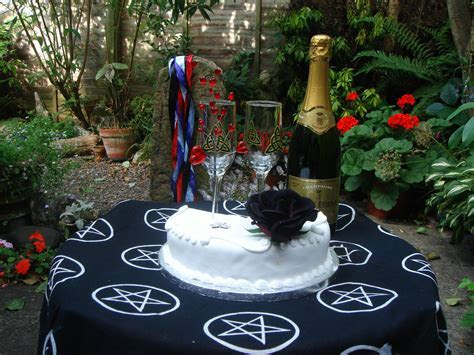 Wicca Rituals     , alter pagan alter, lammas, pagan