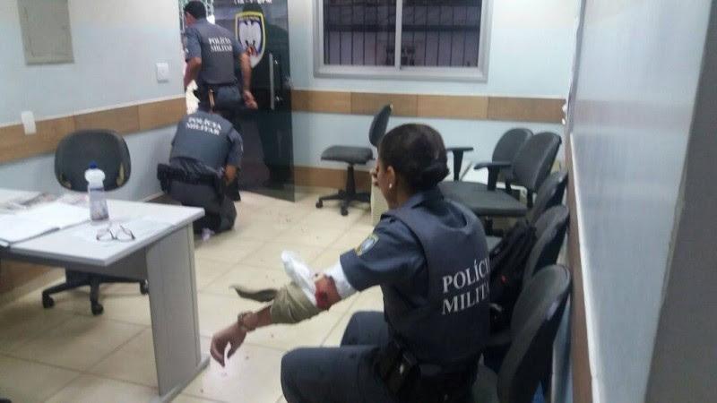 Policial foi baleada em Cariacica (Foto: Foto Leitor/ A Gazeta)