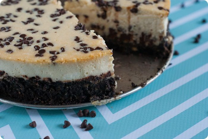 chocolate chip cheesecake with hot fudge sauce from @bakeat350