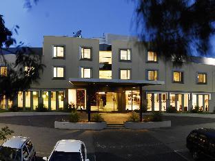 Golden Pebble Hotel Melbourne
