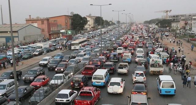 Angola: Mercado de automóveis baixa vendas e sobe preço
