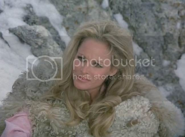 photo Ursula_Andress_soleil_rouge-02.jpg