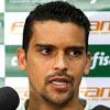 Jean fala em entrevista coletiva na concentração do Palmeiras