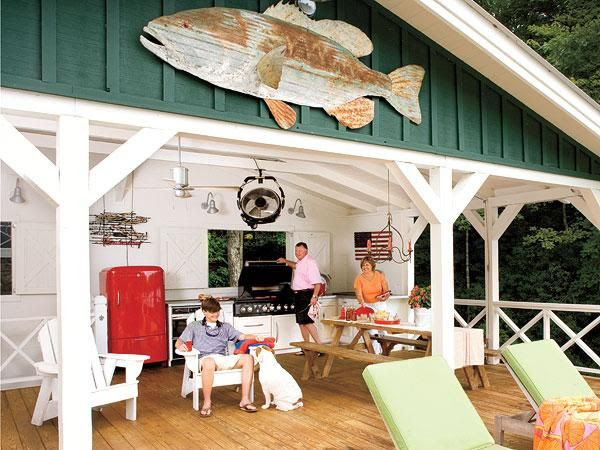 What's not to love about this Georgia lakeside dock, outfitted with a kitchen and picnic table? | myhomeideas.com