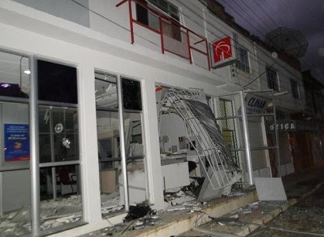 """Prédio do Bradesco foi o primeiro a receber a """"visita"""" dos assaltantes"""
