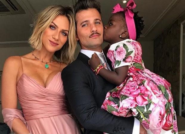Giovanna Ewbank, Bruno Gagliasso e Títi (Foto: Reprodução/Instagram)