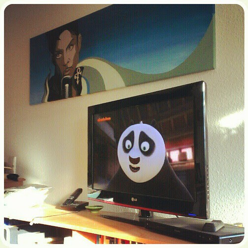 Nov 4: TV watching Kung Fu Panda #fmsphotoaday #tv