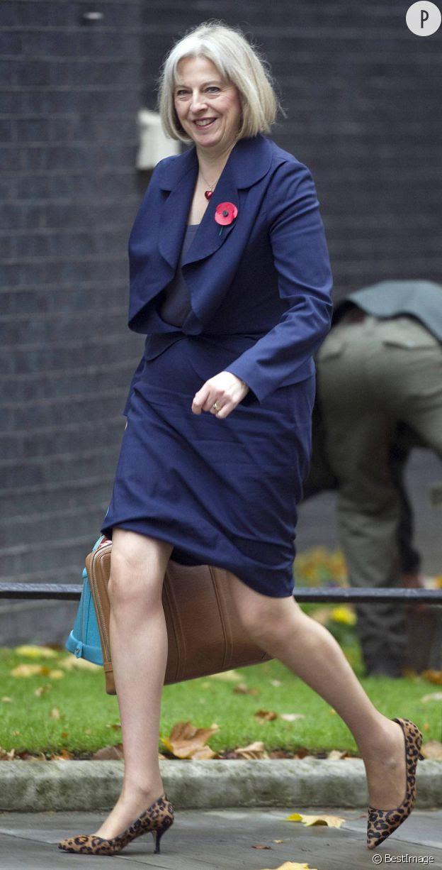 Theresa May ne quitte jamais ses escaprins aux imprimés léopard.