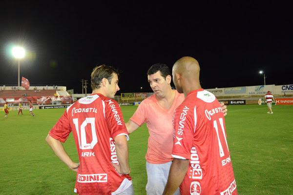 Alex Padang já conversou com Netinho e o jogador deve deixar o time. Cascata deve ficar no clube