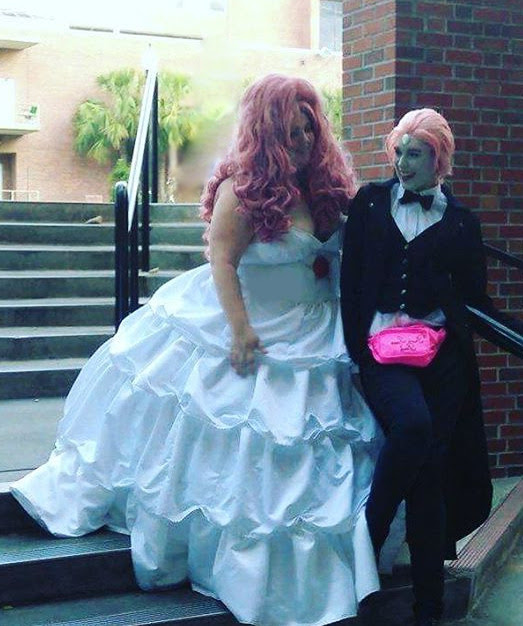 Uh so I might be a little gay for Pearl. @kiicosplays is Pearl I'm Rose!
