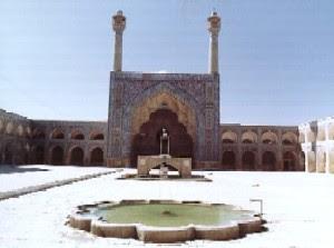 Source: http://civil.iut.ac.ir/general/isfahan/Images/Masjid-i-jame/01JISF03.JPG